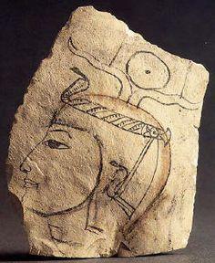 Profil d'Aménophis Ier. Les artisans de Deir el-Médineh vénéraient le pharaon Aménophis Ier et on retrouve son image très souvent.  Musée du Louvre.