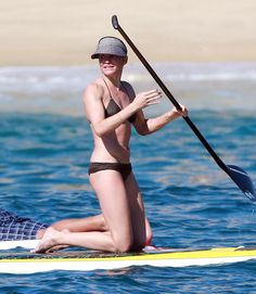 Cameron Diaz paddleboards. 2 Stand Up Guys Paddle Board Lessons & Sales 1701 Tamarack Ave Carlsbad, Ca 92008 (347)489-3926