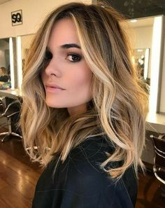 49 Beautiful light brown hair color to try for a new look- The Best Hair Colour Ideas For A Change-Up This Year, Gorgeous Balayage Hair Color Ideas - brown Balayage Highlights,Beachy balayage hair color Balayage Lob, Hair Color Balayage, Blonde Color, Caramel Balayage, Brown Balayage, Medium Balayage Hair, Balyage Hair, Honey Balayage, Caramel Blonde