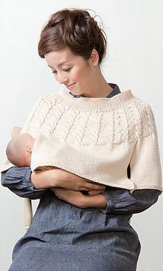 Nursing Poncho - I haven't seen such a useful and chic breastfeeding cover before. Very clever and cute! Thumbs up! Ravelry: Nursing Poncho by Pierrot – clever knitting pattern! Crochet Baby Poncho, Knitted Poncho, Knit Or Crochet, Crochet For Kids, Crochet Shawl, Poncho Knitting Patterns, Knit Patterns, Knitting For Kids, Baby Knitting
