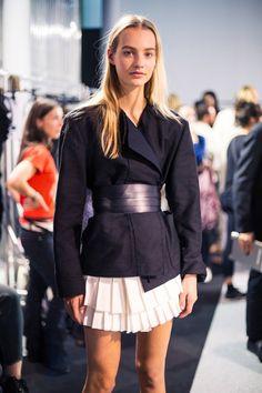 Maartje Verhoef (Women) backstage at Isabel Marant I Love Fashion, Fashion Show, Women's Fashion, Minimal Fashion, Minimal Style, Blouse Styles, Fall Winter Outfits, Isabel Marant, Fashion Models