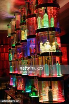 Foto de stock : Bottles of alcohol on display in bar Bar Lighting, Home Lighting, Lighting Ideas, Las Vegas Bars, Nightclub Design, Alcohol, Rocky Horror, Bar Furniture, Night Club