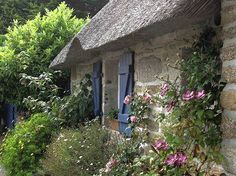 The concept of a cottage style garden is a place that where we can both unwind and regenerate ourselves, our families and often our perspective on life...