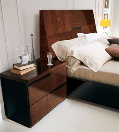 Pisa Bed Contemporary Italian Design With Zebra Wood Inlays Contemporary Fu
