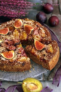 Sezamowe ciasto ze śliwką i figą