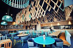 85 Modern Restaurant Interior Design Ideas by blacksheep Modern Restaurant, Nando's Restaurant, Restaurant Interior Design, Commercial Interior Design, Home Interior, Modern Interior Design, Sketch Restaurant, Restaurant Furniture, Design Interiors