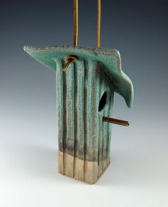 Ceramic Birdhouse..../((¯`♥´¯)) ✰  .`*.¸.*´✿¸.•*¨`*•..¸♥   ˙·♥●•٠