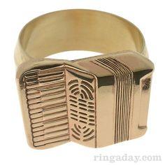 Ein Akkordeon-Ring, gefunden im Kreativitäts-Blog POTUS31 zsammen mit den…