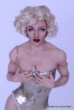 Madonna Celebrity Doll, winner of the PDMAG Gold Awards, by Claudia Raddi