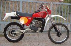 Enduro Vintage, Vintage Motocross, Vintage Bikes, Moto Enduro, Moto Bike, Scrambler, Dirt Bike Shop, Dirt Bikes, Ktm Motorcycles