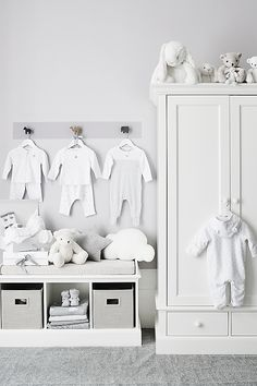 Both children and adults are enchanted by bashful bunnies, not least for their super soft fur and incredibly long ears, which reach right down to Baby Animal Nursery, Baby Nursery Neutral, White Nursery, Baby Nursery Decor, Baby Bedroom, Baby Boy Rooms, Baby Boy Nurseries, Baby Decor, Nursery Room