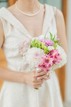 Do you need some inspiration for your Bridal Jewelries? We have put together a collection of all kind of jewelries from Stefan Fekete Photography brides. Bridal Bouquet Pink, Bridal Flowers, Civil Ceremony, Flower Bouquets, Bridal Portraits, Jewelries, Pastel Pink, Beautiful Bride, Romania