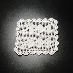 Șervețel Decorativ din Dantelă - VĂRSĂTOR · HAV-A. Crochet Doilies, Aquarius, Goldfish Bowl, Aquarium, Aquarius Sign, Aquarius Zodiac