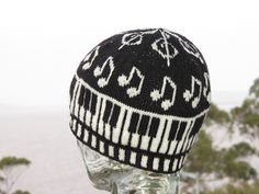 Ravelry: Project Gallery for MUSICA pattern by Deborah Tomasello