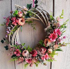 Diy Wreath, Grapevine Wreath, Easter Wreaths, Christmas Wreaths, Floral Bouquets, Floral Wreath, Arte Floral, Nature Crafts, Flowers Nature