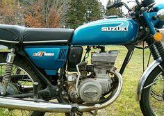 Image from http://www.cyclechaos.com/images/thumb/5/51/1974-Suzuki-GT185-Blue-2.jpg/640px-1974-Suzuki-GT185-Blue-2.jpg.