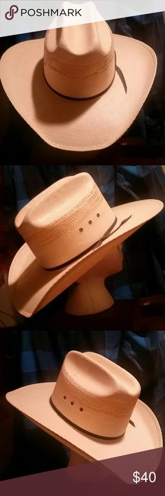 ☆PRICE DROP ☆**DOUBLE SS** STRAW COWBOY HAT YEE HAW!!! Never Worn Size 7 1/8 Double SS Accessories Hats