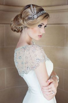 vintage wedding ideas-wedding hairpiece and beaded gown