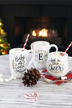 Want to give DIY presents to your loved ones this holiday season? Here is the ultimate guide to holiday DIY gift ideas, just in time for your Christmas prep. For more DIY and entertaining ideas, head to Domino. Diy Christmas Mugs, Diy Holiday Gifts, Noel Christmas, All Things Christmas, Holiday Crafts, Holiday Fun, Diy Gifts, Christmas Houses, Christmas Print