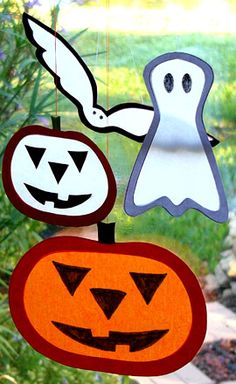 Bat, ghost and Jack-O-Lantern suncatchers for Halloween