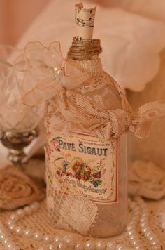 Hermosa Vintage Francés inspirado botella alterada con