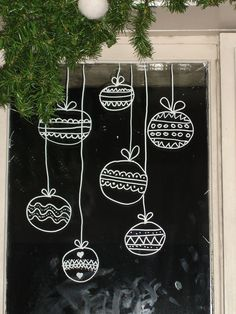 Window decoration in Advent: (Again and again) current ideas 2 .- Fensterdekoration im Advent: (Immer wieder) aktuelle Ideen 2017 christmas ball as window decoration - Christmas Balls, Winter Christmas, Christmas Time, Christmas Crafts, Christmas Ideas, Christmas Snowflakes, Cama Design, Ideas Actuales, Decor Ideas