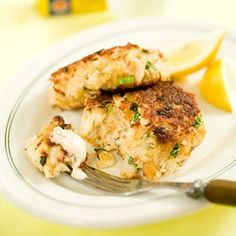 Cooks Country Crab Cakes with Imperial Sauce