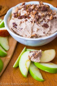 Cinnamon Apple Cheesecake Dip for Apples