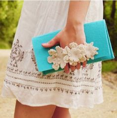 Felt Clutch with front handle covered #felt #clutch www.loveitsomuch.com