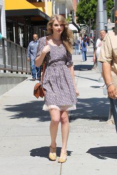 This dress>>>>>>