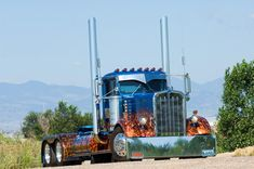These are 21 of the most incredible custom semi truck in the world. You won't believe what some of these extreme trucks can do. All Truck, Big Rig Trucks, Custom Big Rigs, Custom Trucks, Custom Cars, Kenworth Trucks, Peterbilt, Pickup Trucks, Muscle Cars
