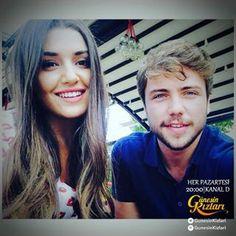 Hayat And Murat, Hande Ercel, Film Aesthetic, Turkish Actors, Bellisima, Chemistry, Einstein, Hair Styles, Photography