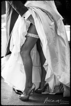 Sexy bruid met bruidegom foto