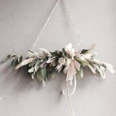 I don't know wth this is but I like it Xmas Wreaths, Christmas Decorations, Holiday Decor, Arte Floral, Dried Flowers, Paper Flowers, Floral Garland, How To Make Wreaths, Christmas Time