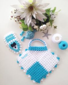 Lif Modelleri 2018 73 - Mimuu.com Crochet Art, Crochet Patterns, Knitted Baby Clothes, Crochet Squares, Baby Knitting, Elsa, Diy And Crafts, Crochet Earrings, Christmas Ornaments