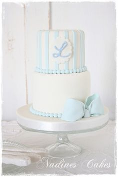 simple 2 tier blue and white fondant cake