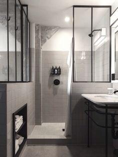 Et pourquoi pas une salle de bain rose terracotta ?   la vie en rose ...