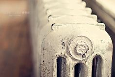 Love old radiators, prefer original metal or painted black Home Radiators, Barefoot In The Park, Oldies But Goodies, Industrial Chic, Living Spaces, How To Memorize Things, Paint Removal, Mabon, Hallways