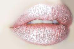 Pastel pink lips ellopiageenos.blogspot.gr