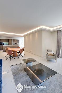 Appartement de 4/5 pièces entièrement refait à neuf à Fontvieille (Monaco) Monte Carlo, Location, Monaco, Dining Table, Real Estate, Furniture, Home Decor, Decoration Home, Room Decor