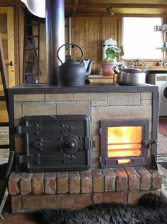 I recently stumbled across your great little forum fırın thought I'd share my stoves with you. The design is not classic rocket stove but includes elements of it. It's a horizontal front load, batch Old Stove, Stove Oven, Kitchen Stove, Rocket Mass Heater, Stove Heater, Wood Stove Cooking, Antique Stove, Stove Fireplace, Rocket Stoves