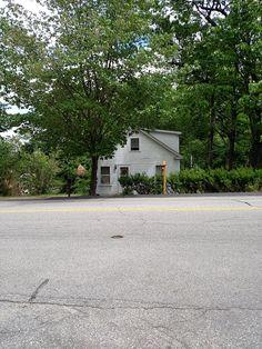 Small House Exteriors, Garage Doors, Sidewalk, Outdoor Decor, Home Decor, Decoration Home, Room Decor, Side Walkway, Walkway