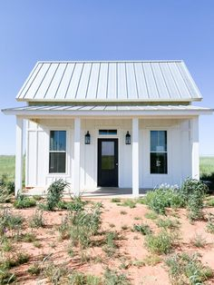 Coming to you once again from the West Texas Prairie with a Little House update. The house is almost completely painted. Small House Exteriors, Tiny House Exterior, Cottage Exterior, Farmhouse Sheds, Modern Farmhouse, Small Farmhouse Plans, Farmhouse Front, Cottage Farmhouse, Small Cottage Homes
