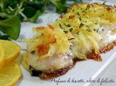 Ecco un piatto perfetto per le occasioni speciali, facilissimo e velocissimo da preparare con il minimo sforzo: il filetto di spigola in crosta di patate!