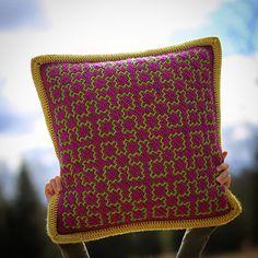 Pattern – Martin Up North Double Crochet, Single Crochet, Knit Crochet, Crochet Things, Crochet Cushion Cover, Crochet Cushions, Free Knitting, Knitting Patterns, Crochet Patterns