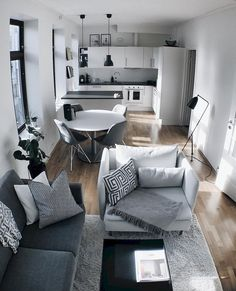 Stunning 40 Genius Small Apartment Decorating Ideas on A Budget https://decorapartment.com/40-genius-small-apartment-decorating-ideas-budget/