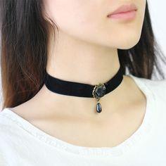 17KM Punk Vintage Royal Black Lace Rose Beads Bridal Choker Necklaces & Pendants for Women Accessories Gothic Statement Necklace