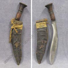94: ANTIQUE INDONESIAN KUKURI KNIFE/SCABBARD : Lot 94