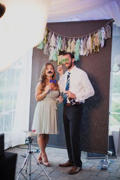 photo booth ideas http://www.weddingchicks.com/2013/11/25/big-bash-wedding/