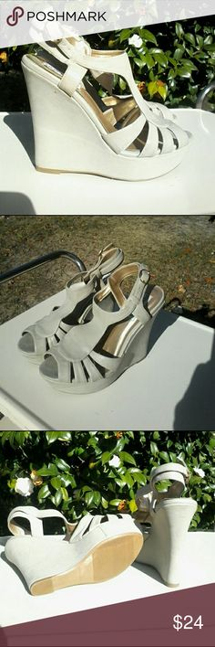 """New - Steve Madden """"Bikeeni"""" platform sandals This is a new pair of Steve Madden """"Bikeeni"""" wedge platforms with 5 inch heel and 1.25 inch platform in size 8m.  All man-made material. Shoes Platforms"""